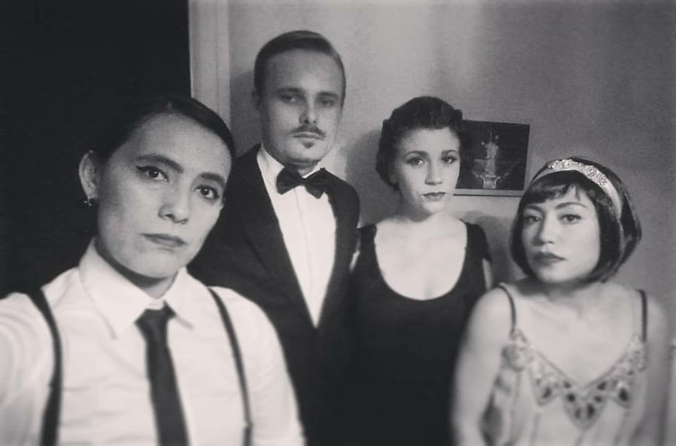 Keitlyn and three of her friend ready dress like as 1920's socialites.